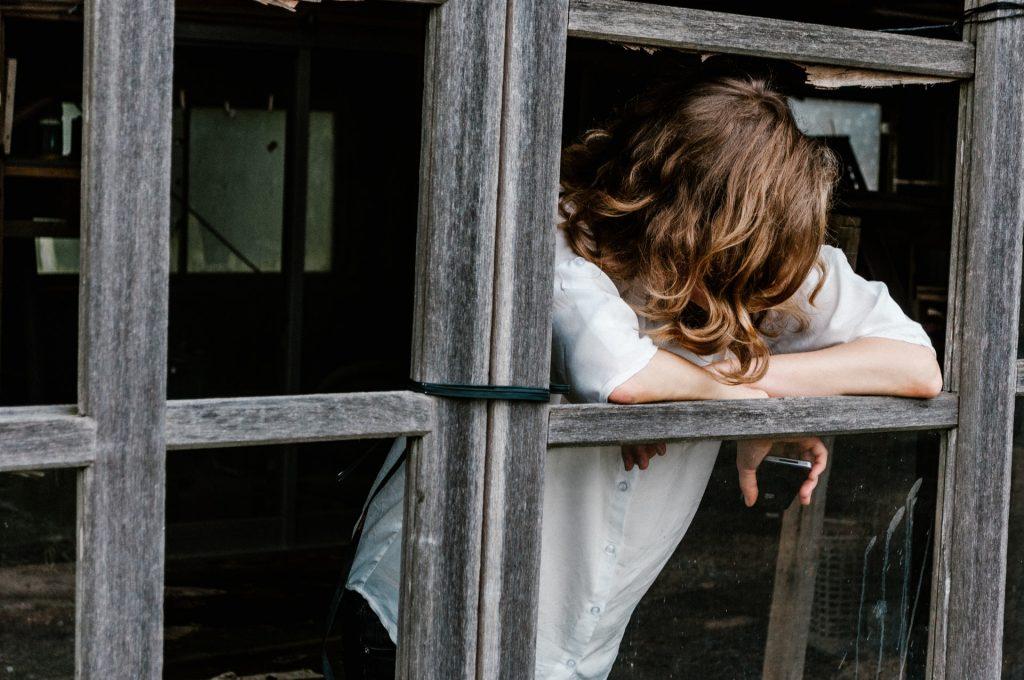 Sad Woman - Priscilla Du Preez via Unsplash